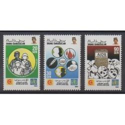 Brunei - 1990 - No 425/427 - Santé ou Croix-Rouge