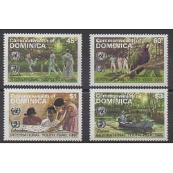 Dominique - 1985 - No 858/861 - Enfance