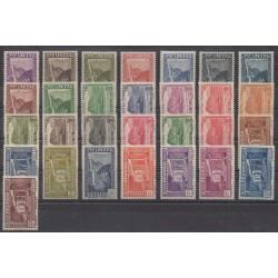 Réunion - 1933 - No 125/148 - Neufs avec charnière