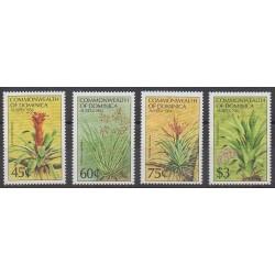 Dominique - 1984 - No 808/811 - Fleurs