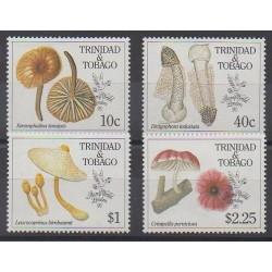 Trinité et Tobago - 1990 - No 635/638 - Champignons