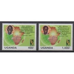 Ouganda - 2004 - No 2171/2172 - Santé ou Croix-Rouge