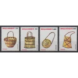 Mozambique - 1995 - No 1285/1288 - Artisanat ou métiers
