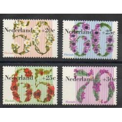 Pays-Bas - 1982- No 1173/1176 - Fleurs