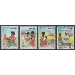 Rwanda - 1987 - No 1229/1232 - Enfance - Santé ou Croix-Rouge