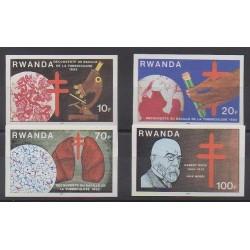 Rwanda - 1982 - No 1067/1070ND - Santé ou Croix-Rouge