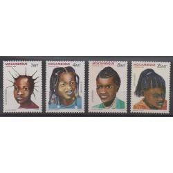 Mozambique - 1986 - No 1033/1036 - Enfance