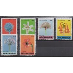 Mozambique - 1988 - No 1083/1088 - Fleurs