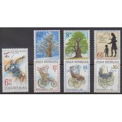 Tchèque (République) - 2004 - No 376/382