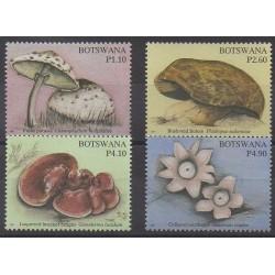 Botswana - 2007 - No 975/978 - Champignons