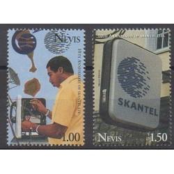 Nevis - 1995 - No 915/916 - Télécommunications