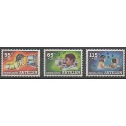 Antilles néerlandaises - 1988 - No 835/837 - Enfance