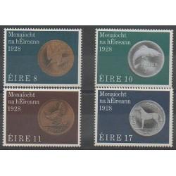 Irlande - 1978 - No 386/389 - Monnaies, billets ou médailles