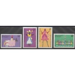 Saint-Vincent (Iles Grenadines) - 1985 - No 447/450 - Folklore