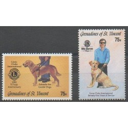 Saint-Vincent (Iles Grenadines) - 1992 - No 816/817 - Chiens - Rotary ou Lions club