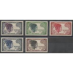 Laos - 1952 - Nb 13/17