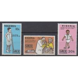 Nigeria - 1984 - No 436/438 - Santé ou Croix-Rouge