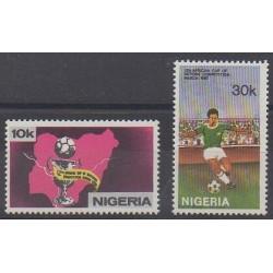 Nigeria - 1980 - No 374/375 - Football