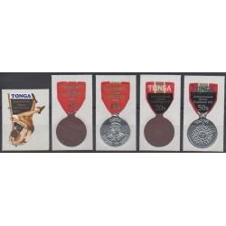 Tonga - 1974 - No 327/331 - Sports divers - Monnaies, billets ou médailles