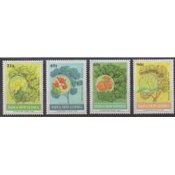 Papouasie-Nouvelle-Guinée - 1992 - No 663/666 - Arbres