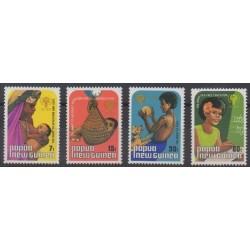 Papouasie-Nouvelle-Guinée - 1979 - No 376/379 - Enfance