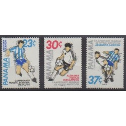 Panama - 1986 - No 988/990 - Coupe du monde de football