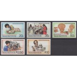 Maurice - 1987 - Nb 680/684