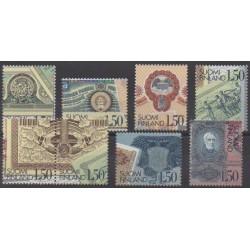 Finlande - 1985 - No 924/931 - Monnaies, billets ou médailles