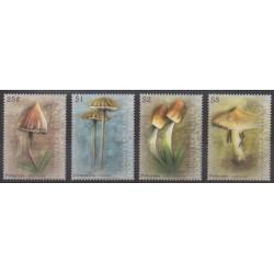 Grenadines - 2009 - Nb 3789/3792 - Mushrooms