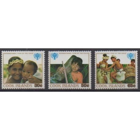 Cook (Islands) - 1979 - Nb 524/526 - Childhood