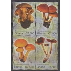 Ghana - 2004 - Nb 3009/3012 - Mushrooms