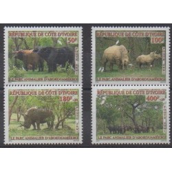Ivory Coast - 2001 - Nb 1074/1077 - Mamals - Parks and gardens