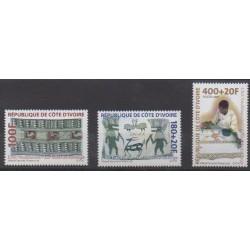 Ivory Coast - 2001 - Nb 1089/1091 - Art