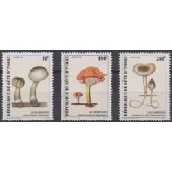 Ivory Coast - 1998 - Nb 999/1001 - Mushrooms