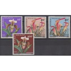 Madagascar - 1973 - No 531/534 - Fleurs