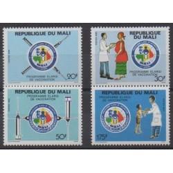 Mali - 1989 - No 555/558 - Santé ou Croix-Rouge