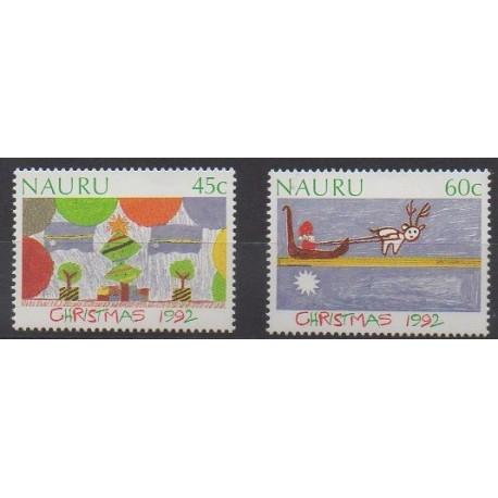 Nauru - 1992 - No 381/382 - Noël - Dessins d'enfants