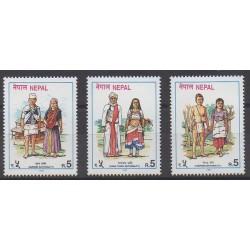 Nepal - 1997 - Nb 615/617 - Costumes - Uniforms - Fashion