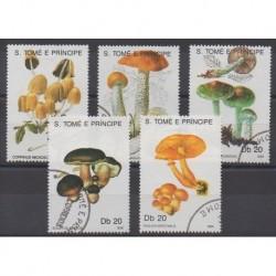 Saint Thomas and Prince - 1990 - Nb 986/990 - Mushrooms - Used