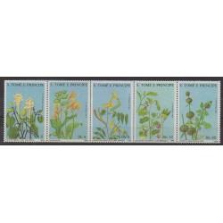 Saint-Thomas et Prince - 1988 - No 904/908 - Fleurs