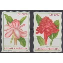 Saint-Thomas et Prince - 2001 - No 1315/1316 - Roses