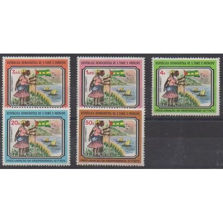 Saint-Thomas et Prince - 1975 - No 422/426 - Histoire - Neufs avec charnière
