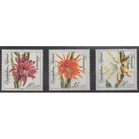 Allemagne orientale (RDA) - 1989 - No 2881/2883 - Fleurs